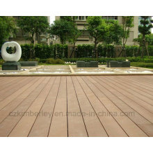 China Supplier WPC Solid Composite Decking Board Laminate Flooring