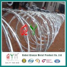 Fita de arame farpado / Cbt-65 para a cerca Chain Link