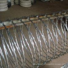 Забор воздуха порта (из колючей проволоки сетки ограждения)