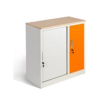Armoires de 36 pouces de largeur avec étagères et portes