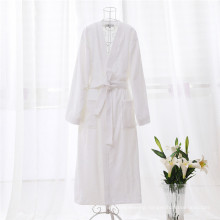 China Supply Anti-Pilling White Import Bathrobe (WSB-2016023)