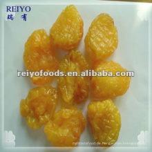 Getrocknete Pfirsichhälften mit Zucker
