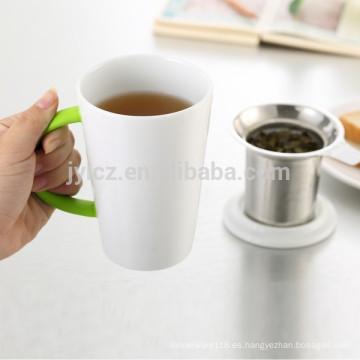 Taza de té de cerámica de 400 ml con filtro con tapa, recubierta de goma