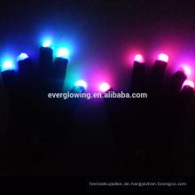 Partys und Events liefert LED-Handschuhe
