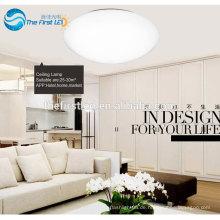 Deckenleuchte. LED-moderne Deckenleuchte