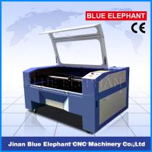 Machine de laser de cnc de panneau en plastique fait maison de haute précision pour la coupe