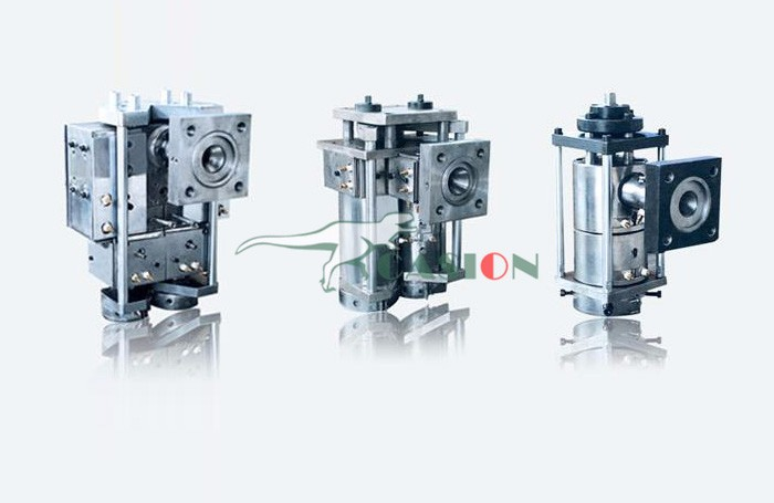 Blow molding machine head