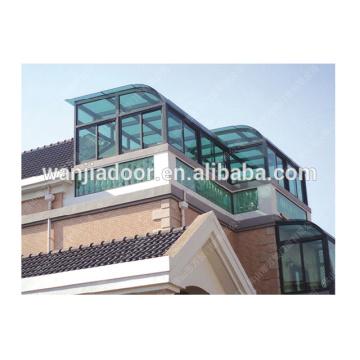 Ventana de techo de aluminio casa verde.