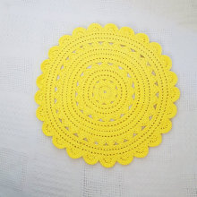 "26.5"" Sunshine Yellow Crochet Doily Rug for Pets"