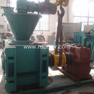 roll-type squeezing granulator for fertilizer production