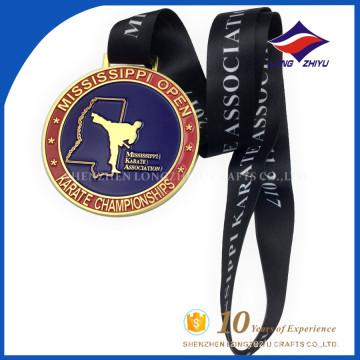 Custom produzido na China fabricante medalha de karatê com fita