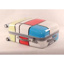 Les nouveaux fabricants de bagages en couleur PC Trolley Universal Wheel Landing Chassis Small Row Brigade 20/24/28 Pouces