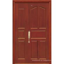 Porta de madeira maciça (cor marrom)