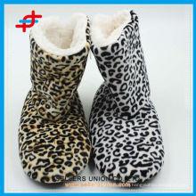 Leopard Design OEM Frauen Winter Warm Customized Terry Home Soft Stiefel