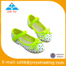 Chaussure enfant développement enfant