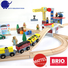 Novo popular 70 pcs Crane Farm ferroviária magnética madeira Thomas Train Toy