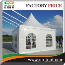 Tente de pagode de luxe en métal avec fenêtre clocher en pvc pour un événement de fête 20 personnes tente 5x5m