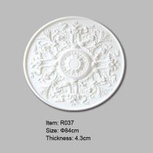 円形の装飾的な天井の円形浮彫り