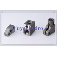 SAE Sandwich Plate Hydraulic Adapter