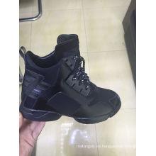 Los últimos hombres se divierten los zapatos de los hombres que corren el alto-alto de la altura de las zapatillas