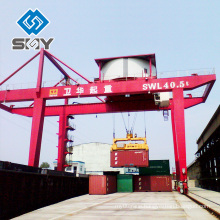 Ship/dockyards crane