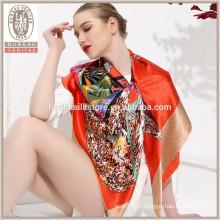 Design de papillon Vente en gros Echarpe en chêne à soie 100% soie