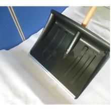 Verdickte Plastik-Schnee-Schaufel mit hölzernem Handgriff (s103)
