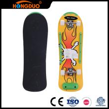 Fabricação habilidosa bom atacadista bom skateboard com rodas grandes
