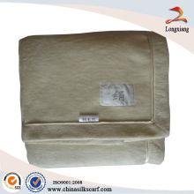 BeigeTussah manta de seda con encuadernación de seda