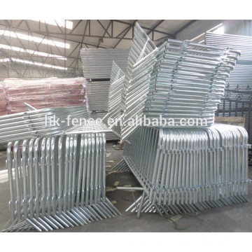 Galvanized 1100 x 2200 mm steel barricade for crowd control