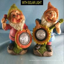 Reproducción de música Solar iluminado Polyresin enano para la decoración del jardín