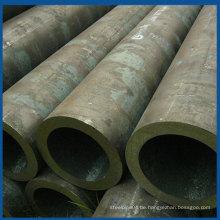 325 x 30 mm Q345B hochwertiges nahtloses Stahlrohr in China hergestellt