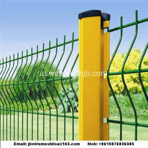 Peach Post Dilas Wire Mesh Fence