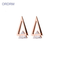Rose gold cubic zirconia triangle oorknopjes