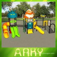 Équipement de terrain de jeux extérieur pour handicap