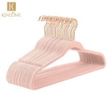 Wholesale pink color golden hook velvet coat hangers for clothes shop display