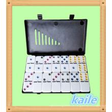 Double 6 bunte Domino-Packung in schwarzer Kunststoffbox