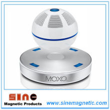 Магнитная левитация Mini Bluetooth Speaker / Audio (белый)