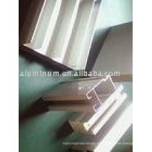 Perfil de aluminio para ventanas y puertas