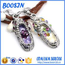 Diseño elegante del encanto del zapato del diamante artificial para la fabricación de la joyería