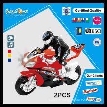 O brinquedo o mais novo da fricção com motocicleta elétrica poderosa clara