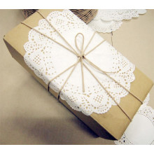 Centrini di carta usa e getta di bianco decorativo 8,5 pollici