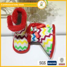 El bebé al por mayor de la manera calza los cargadores recién nacidos del bebé de la tela de las lanas de los zapatos