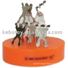 Teamwork magnetics sculptures