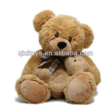 День подарков матери набили мать и сын медведи
