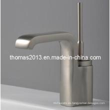 Grifo monomando para lavabo niquelado montado sobre encimera (Qh0525s)