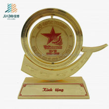 Regalo personalizado al por mayor Souvenir Metal Gold Conmemorar trofeo