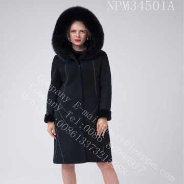 Cappotto in shearling merino australiano con decorazione a fili luminosi