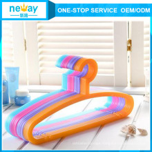 Candy Color Anti-Skidding Plastic Hanger