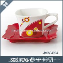 Taza y platillo de café cuadrados al por mayor de la porcelana, sistema de la taza del diseño de la astilla, sistema pequeño de la taza